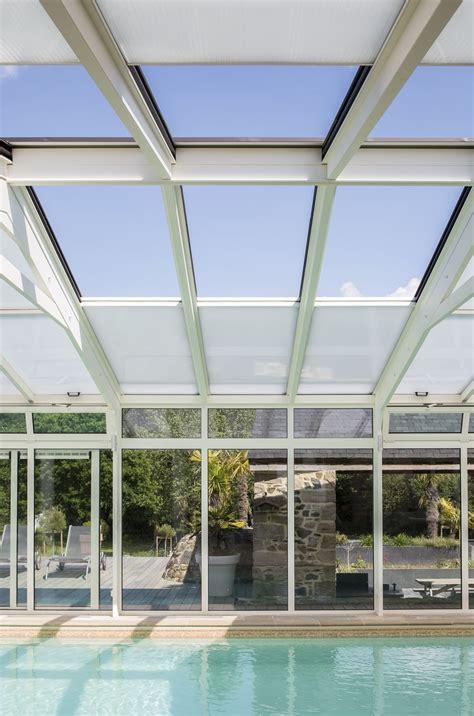 toiture pour veranda en polycarbonate v 233 randa pour piscine sur mesure et de forme arrondie