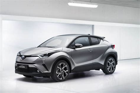toyota hybride d occasion toyota c hr hybride suv compact voiture neuve et d occasion de luxe marseille avon