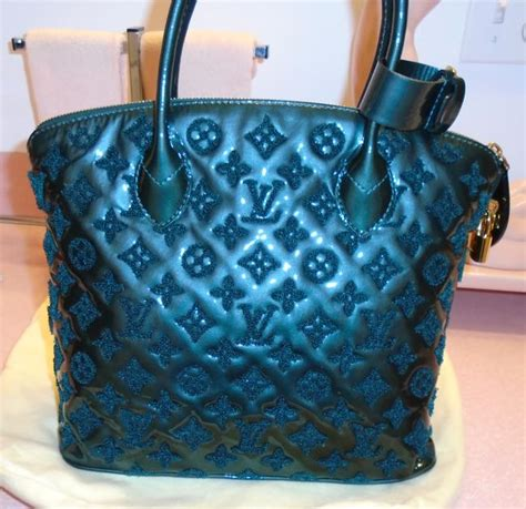 louis vuitton lockit fascination perrier deep green patent leather  fabric embossed lv