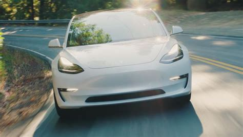 40+ Comsumer Reports Tesla 3 Gif