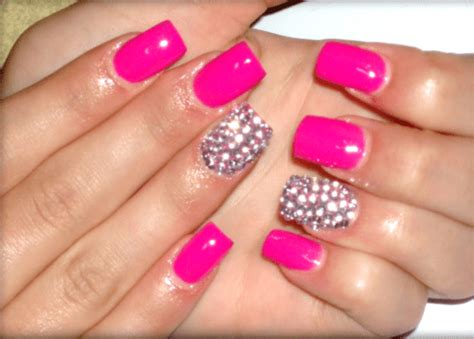Try A Highlight/accent Nail For Manicure Monday