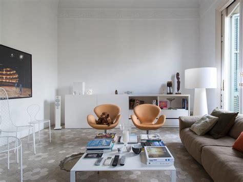 Arredi Interni Moderni Arredi Classici E Moderni In Una Casa In Stile Gaud 236