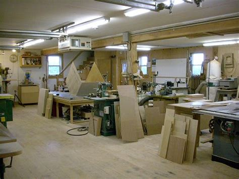 designing  functional small woodworking shop