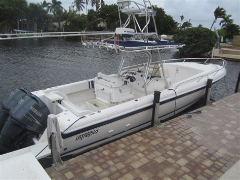Intrepid Cabin Boats by 2006 Used Intrepid 323 Cuddy Cabin Boat For Sale