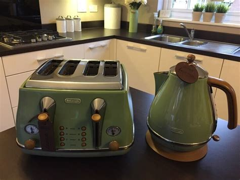 Delonghi Icona Vintage Jug Kettle And Toaster In Olive