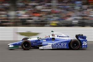 Sato outduels Castroneves to win wild Indianapolis 500 ...