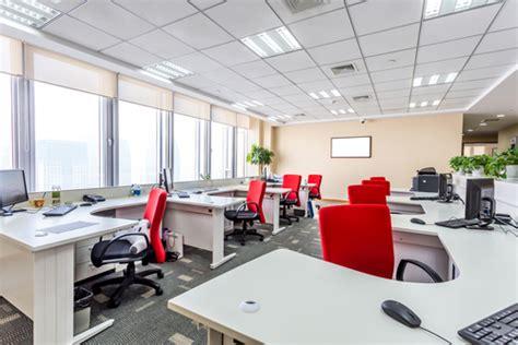 bureau entreprise comment décorer ses bureaux d 39 entreprise megamark