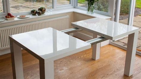 extending dining table   seats dining
