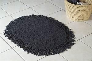 Tapis A Frange : tricot un tapis ovale franges ~ Teatrodelosmanantiales.com Idées de Décoration