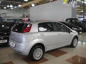 Fiat Punto 1 4 Attractive 8v Flex 4p Manual 2011  2012