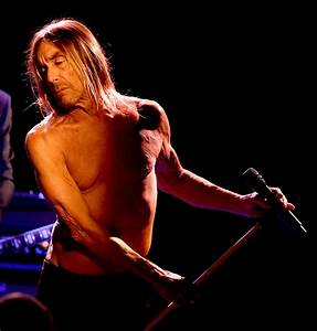 Iggy Pop Photos Photos - Iggy Pop And Josh Homme Perform ...
