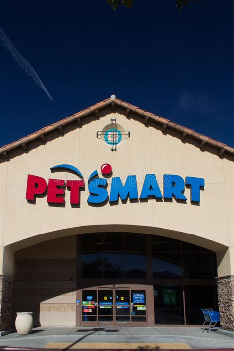 Office Supplies Unlimited Sacramento Ca by Petsmart Store Editorial Photography Image Of Groom