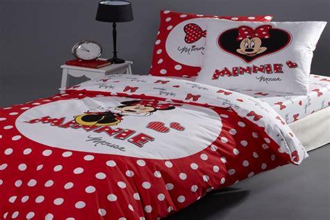 chambre minnie bebe des chambres à coucher minnie mouse pour fille bébé et