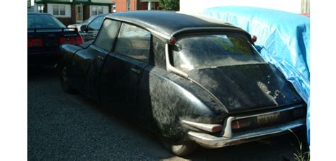 Citroen Canada by Two Early Ds Awaiting Restoration In Canada Citro 203 Nvie