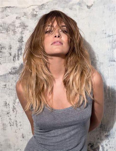 coupe cheveux ondulés les coupes de cheveux qui rajeunissent femme actuelle
