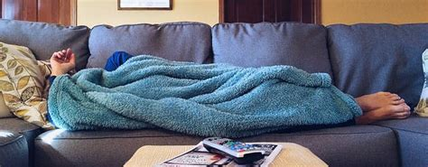 qui pisse sur le canap dormir chez l 39 habitant gratuitement avec couchsurfing