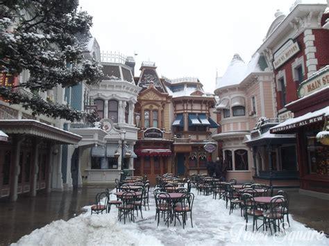 A Walk Through A Snowy Disneyland Paris Photo Report