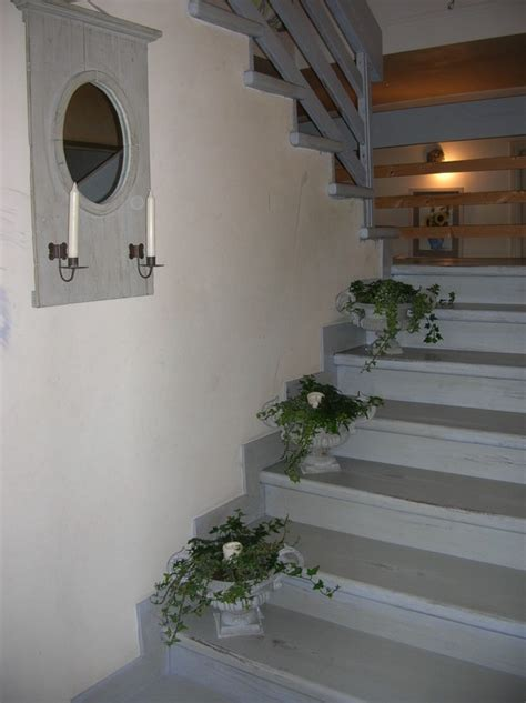 escalier patin 233 en gris roses et pivoines