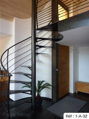 25 best ideas about escalier h 233 lico 239 dal on escalier en colima 231 on escalier