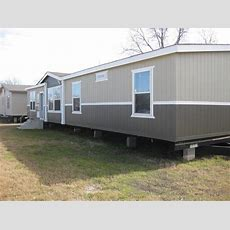 Excellent Condition 2015 Cavco 32x60, 32  Mobile Homes