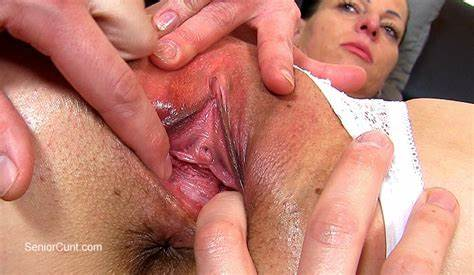 Closeup Mature Game And Getting Tasty Cunt