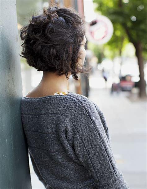coiffure cheveux frises courts cheveux frises nos