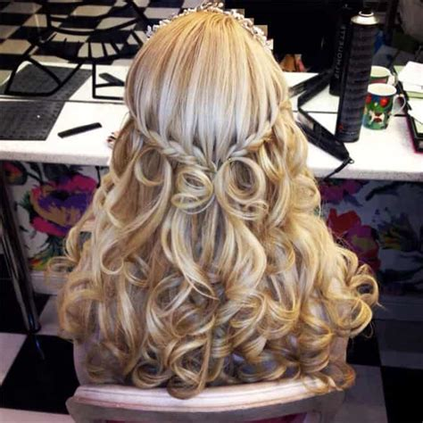 beautiful christmas hairstyles  ladies  sheideas