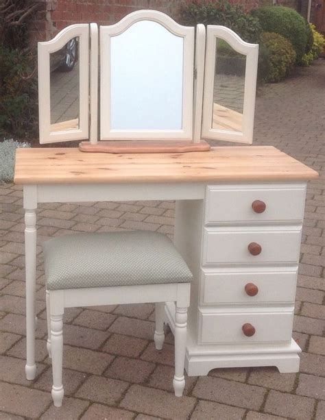 painting pine furniture shabby chic best 25 pine furniture ideas on pinterest painting pine furniture chalk paint uk and bookcases