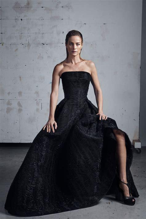 Model kebaya untuk wanita gemuk disarankan harus memilih yang tepat agar membuat tampilan kelihatan lebih langsing. 30+ Model Gaun Kebaya Modern, Pesta, Muslim Terbaru 2020