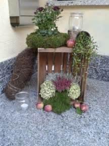 balkon belag herbst deko haus herbst deko vor der haustr garten balkon deko nowaday garden