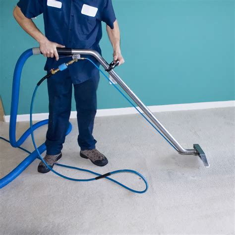 Removing Red Wine Stains From Carpets by Carpet Cleaners Luton For Local Carpet Cleaning Services