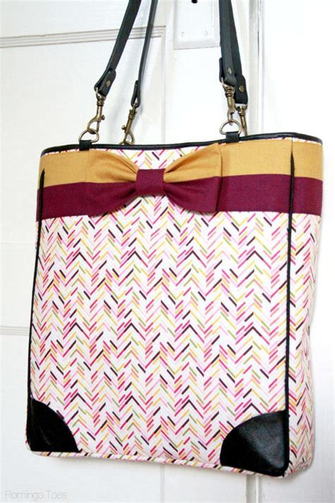 Kate Spade Inspired Bow Tote Tutorial   AllFreeSewing.com