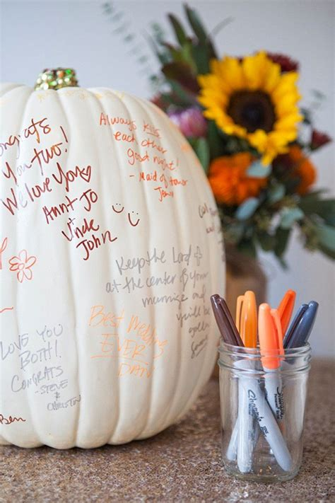 19 Ways To Use Pumpkins For Wedding Decorations CHWV