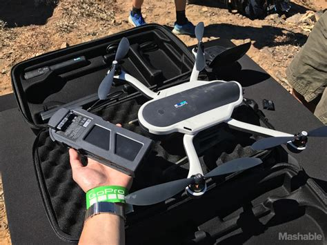 hands   gopros foldable karma drone