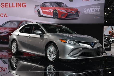 2018 Toyota Camry arrives with new platform, powertrains ...