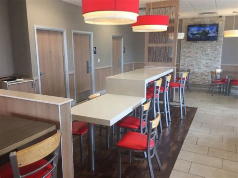 chairs and tables picture of burger king roseville