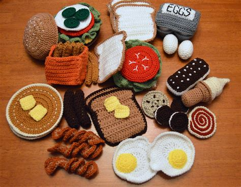 crochet cuisine fo friday crochet play food a of this and a of that