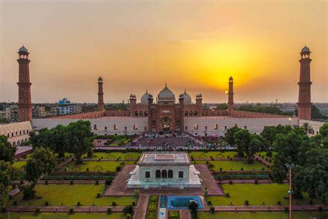Lahore LBF 02 Tour Lahore - Saniya's Cultural Express