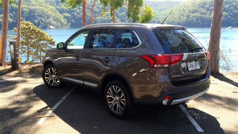 Reviews Of Mitsubishi Outlander by 2016 Mitsubishi Outlander Review Photos Caradvice
