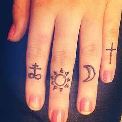 18 best images about Henna tattoo designs on Pinterest ...