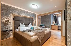 Neonlichter Für Zimmer : familienzimmer sportart 36m ~ Markanthonyermac.com Haus und Dekorationen