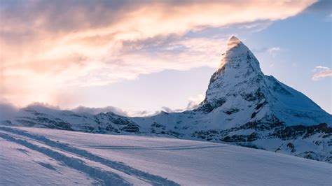 picalls mountain peak the swiss alps by samuel zeller