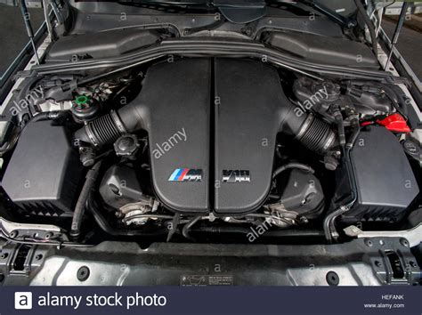 Bmw V10 Engine by V10 Engine In A Bmw E60 M5 2003 2010 German Saloon