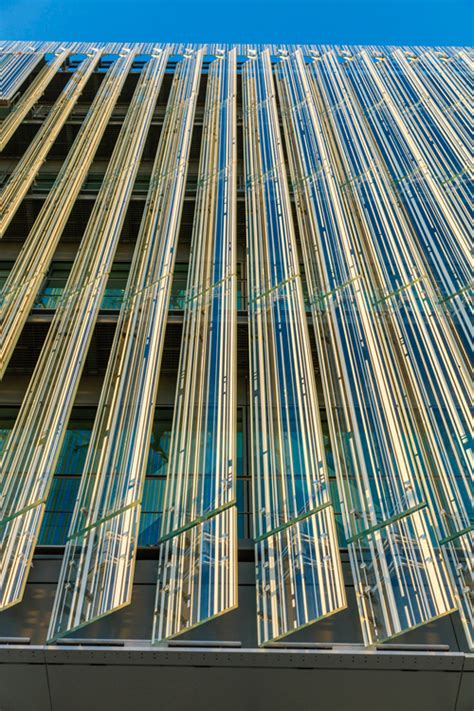 crédit mutuel nantes brise soleils sadev architectural