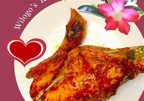 Masih di resep ayam bakar, kali ini kita akan bahas tentang resep ayam bakar oven yang bisa di tambahkan cabe untuk rasa yang lebih pedas jika suka. Resep Ayam ingkung panggang oven oleh Budi Wilogo - Cookpad