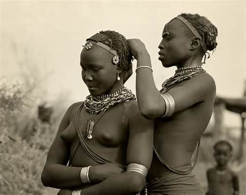 Short Haired Woman And Her Black Slave Chick Images #Mapping #Out #Freedom #Escaped #Slaves #Used #Braids #For