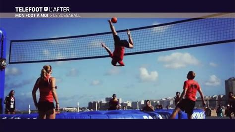 Le Bossaball : un sport hyper spectaculaire ! - YouTube