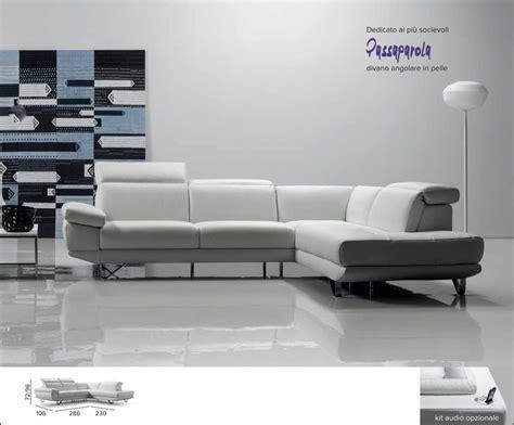 Modello #passaparola, Dedicato Ai Più #socievoli. #divano