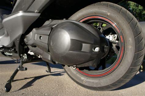 Candela Burgman 400 by Suzuki Burgman 400 Abs Prova Su Strada 2014