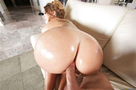 big booty latina whore klara gold sucks off a huge dick and takes cumshot